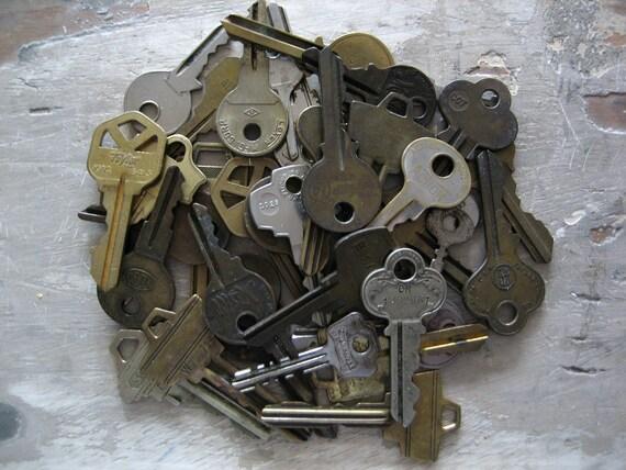 38 Vintage Keys