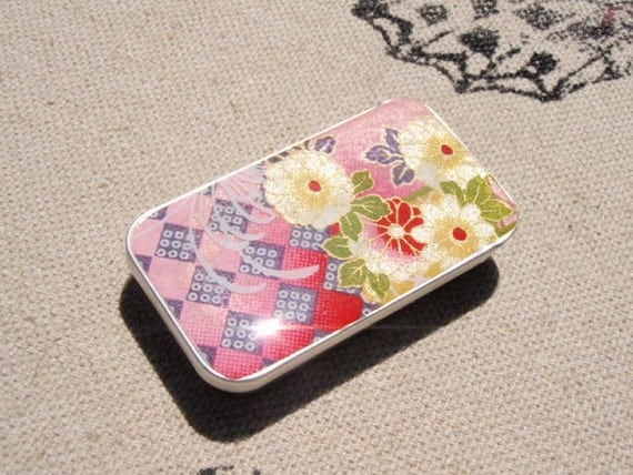 Gorgeous Pink with Yellow Dahlia Chiyogami - Stash your secrets in this Cool little slider tin - Chiyogami and Resin protected top