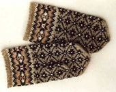 High quality hand knitted warm wool mittens , gloves patterned Grey