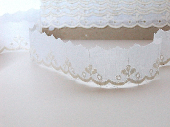 Vintage, Cotton Eyelet Trim, Ecru, Scalloped Edge, over 10 Yards, Narrow, Sewing, thecattsuglybabies on Etsy