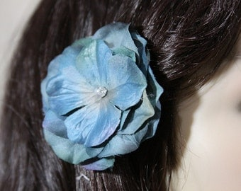 1 Turquoise Flower on an Alligator Clip - Handmade Flower Hair Accessories