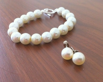 5 Bridesmaid Gift Bracelet and Stud Pearl Earring Sets