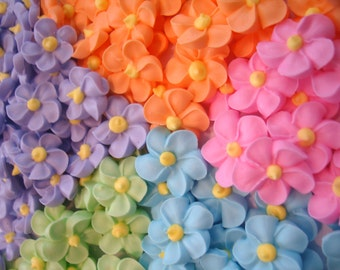 LOT of 100 royal icing flowers for Cake Decorating great for Easter