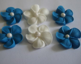 LOT of 100 royal icing flowers with sugar pear