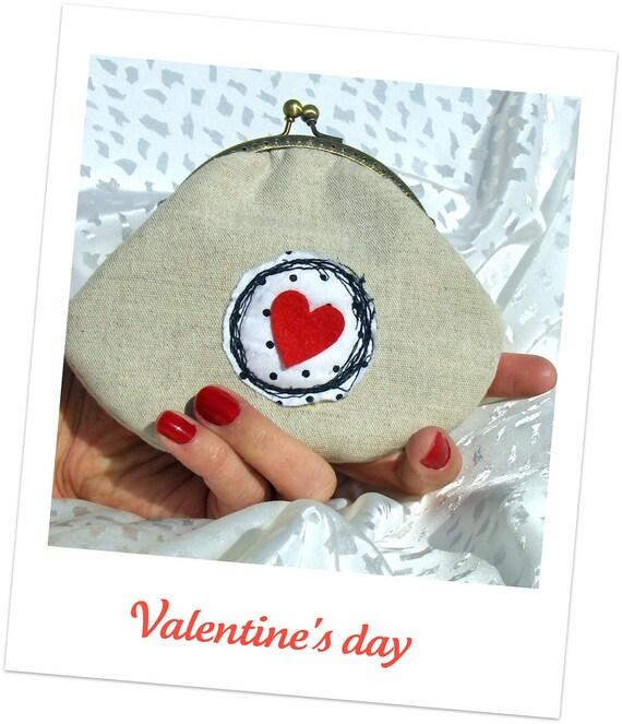 Happy valentine's clutch