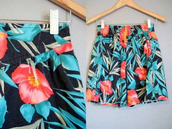 High Waist Shorts Vintage Hawaiian Floral Tiki 1980s Small