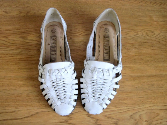 Vintage Huaraches White Leather Shoes Flats Sandals Size 6.5