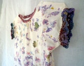 Hapazome flower beaten silk blouse with crochet border