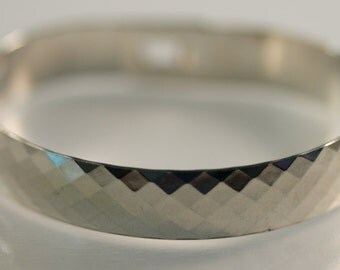Sterling Diamond Pattern bangle with clasp