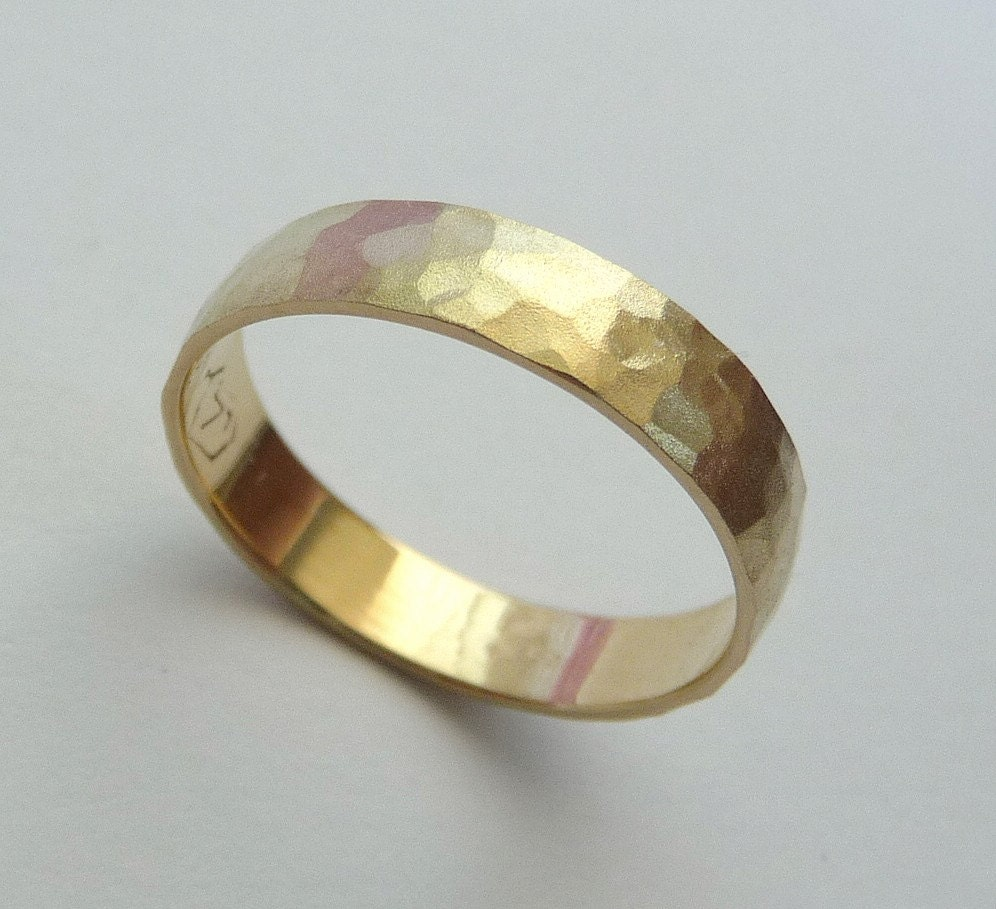 Gold wedding band men women ring 14k hammered 4mm by havalazar