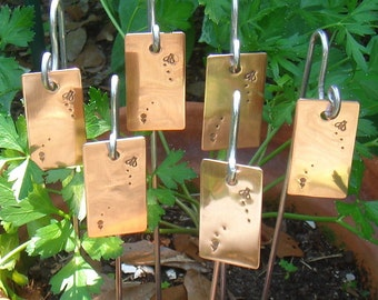 Copper Garden Markers, Personalized Hand Stamped, Set of Six, Busy Bee Motif, Plant Stake, Herb Markers, Custom, Gardener Gift, Copper