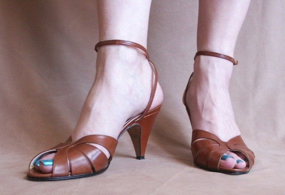 Vintage Peep Toe Sandals Strappy with Ankle Strap, Caramel Brown,  Size 8.5