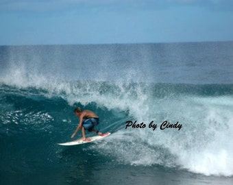 Surfing the Banzai Pipeline