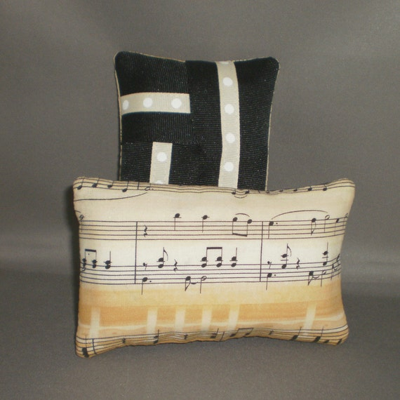 Kleenex Pocket Size Tissue Pack Cozy Case Cover Holder - MUSIC - MUSICAL SCORE