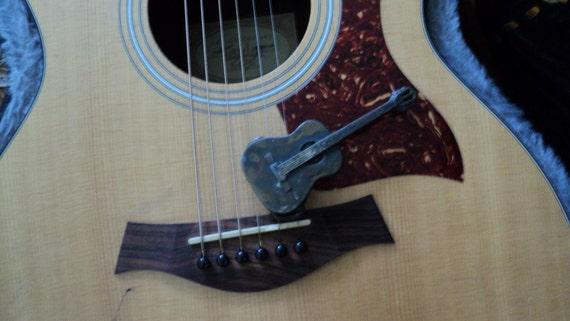 Vintage Acoustic Guitar Belt Buckle