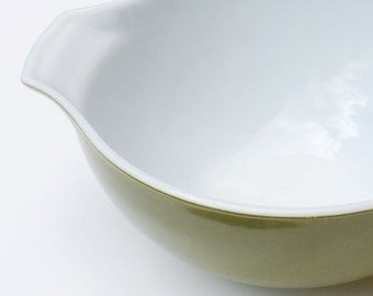 Pyrex Large Serving Bowl Olive Green Cinderella Spout Handles
