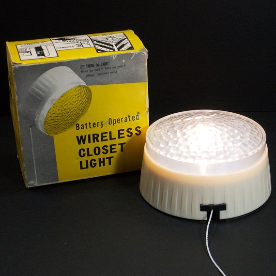 retro wireless closet light