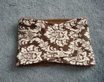 Brown and White Damask Print Belly Band