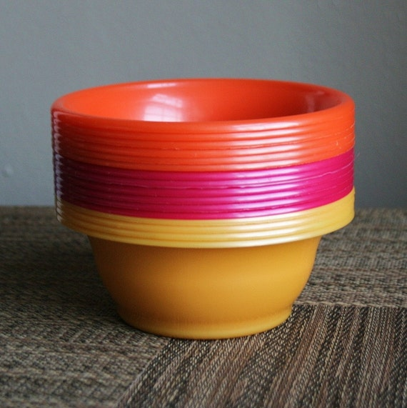 Retro Colorful PackerWare Plastic Bowls - 16 Red Orange and Yellow - Made in USA
