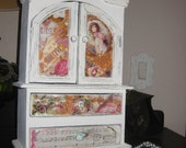 Shabby chic vintage jewelry/storage box with a victorian feel