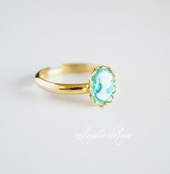 TINY TINY CAMEO RING - AQUA