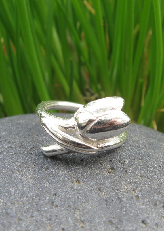 Shy Susan Sterling Silver Ring