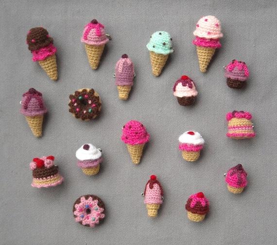 Kawaii Amigurumi Cupcake Keychain : Amigurumi sweets Crochet brooches Ice Cream Cupcake by biribis