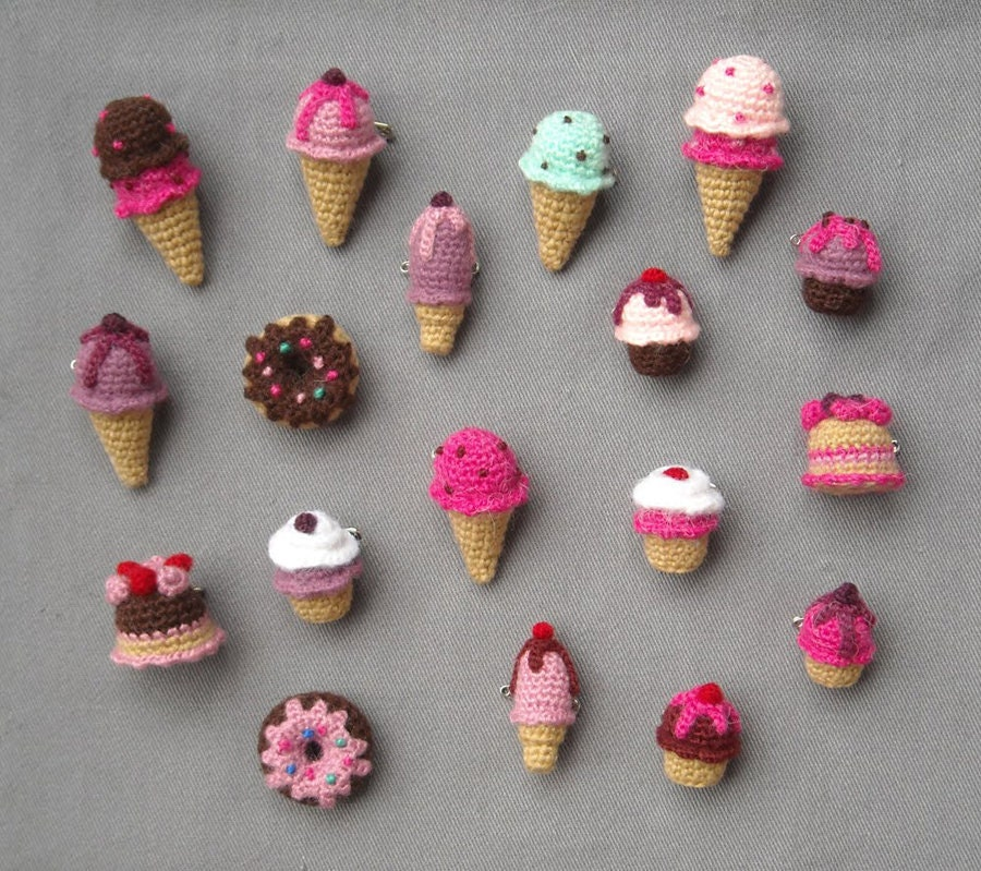 Mini Ice Cream Amigurumi : Amigurumi sweets Crochet brooches Ice Cream Cupcake by biribis