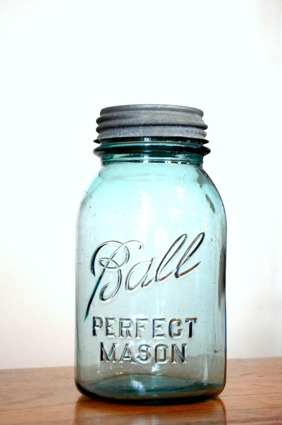 Blue Ball Mason Jar - Zinc Lid included, genuine vintage