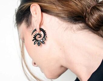 Fake Gauges, Fake Plugs, Handmade Horn Earrings, Tribal Style - Spade Spirals