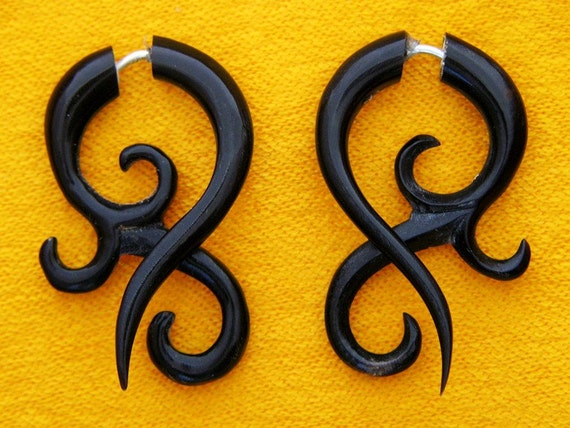 Fake Gauges, Handmade, Horn Earrings, Cheaters, Organic, Plugs, Split, Tribal Style - Small Asalah Twists Horn