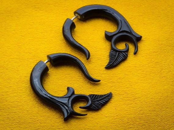 Fake Gauges, Handmade, Horn Earrings, Cheaters, Organic, Plugs, Split, Tribal Style -  Small Kalila Curls Horn