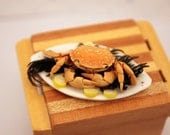 Miniature Crab on Serving Platter Dollhouse Food
