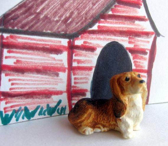 Miniature Dog Figurine Basset Hound Dollhouse Pet