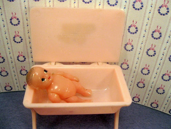Renwal Doll Furniture Baby Bathinette with Doll 1950s