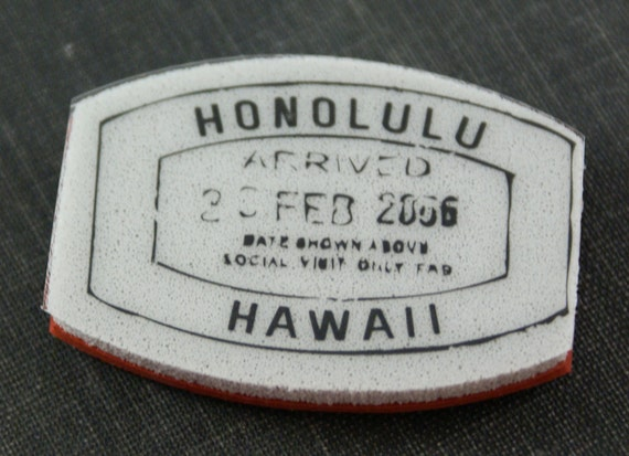 Mock passport booklet customs stamp for HONOLULU - Repositionable CLING Rubber Stamp