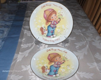 2 Avon Mother's Day Plates  - 1982  Made in Japan