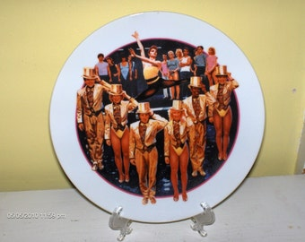 Avon Images of Hollywood ''A Chorus Line'' Plate  1986