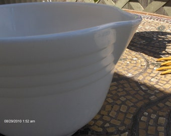 Vintage Pyrex Milk Glass Mixing Bowl - Hamilton Beach