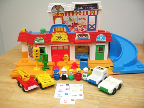 Fisher Price Little People Main Street - Complete Set with all 7 Mail Pieces