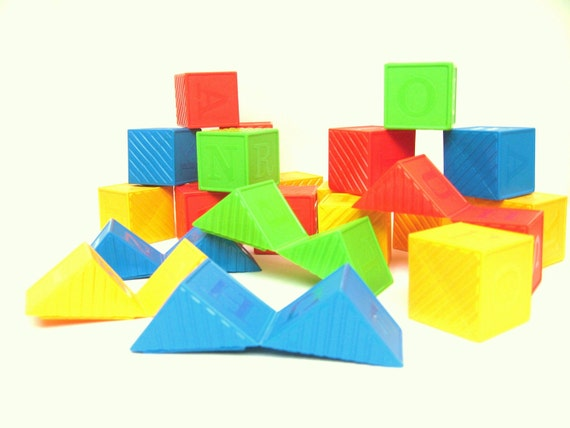 Vintage Tupperware Busy Blocks