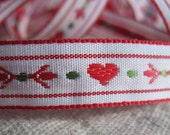 TRUE LOVE ribbon Red hearts on White