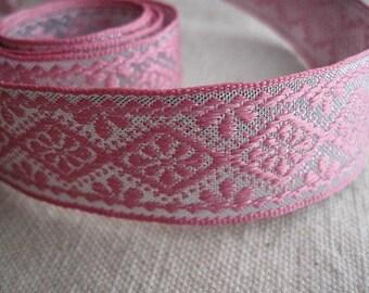Flower in Diamond PINK on SILVER ribbon