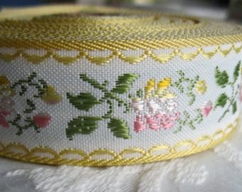 BUTTERCREAM Jacquard Floral Ribbon