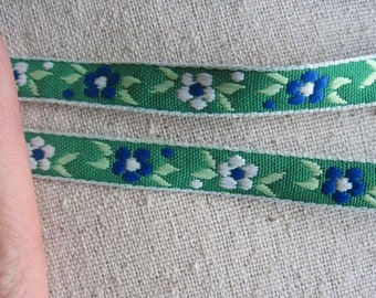 GREEN flower and seed Ribbon
