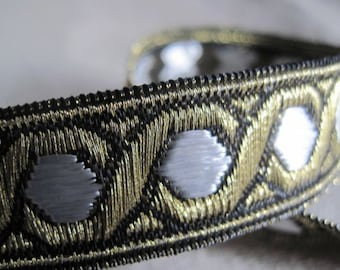 Celtic Chain Metallic Jacquard Ribbon in WHITE and GOLD