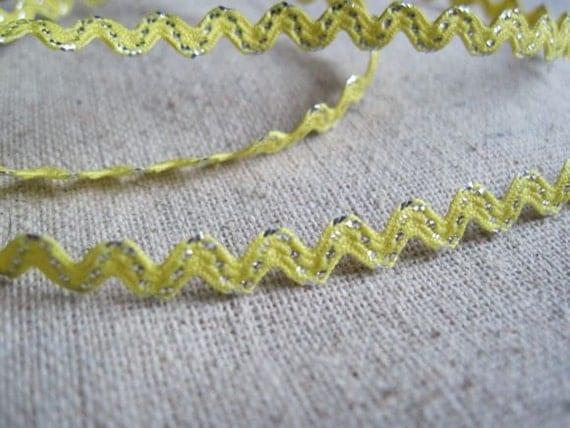 YELLOW and  metallic SILVER stitch MINI Ric Rac