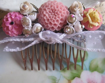 Swiss Dots and Flowers.vintage assemblage flower  rhinestone bridal hair comb