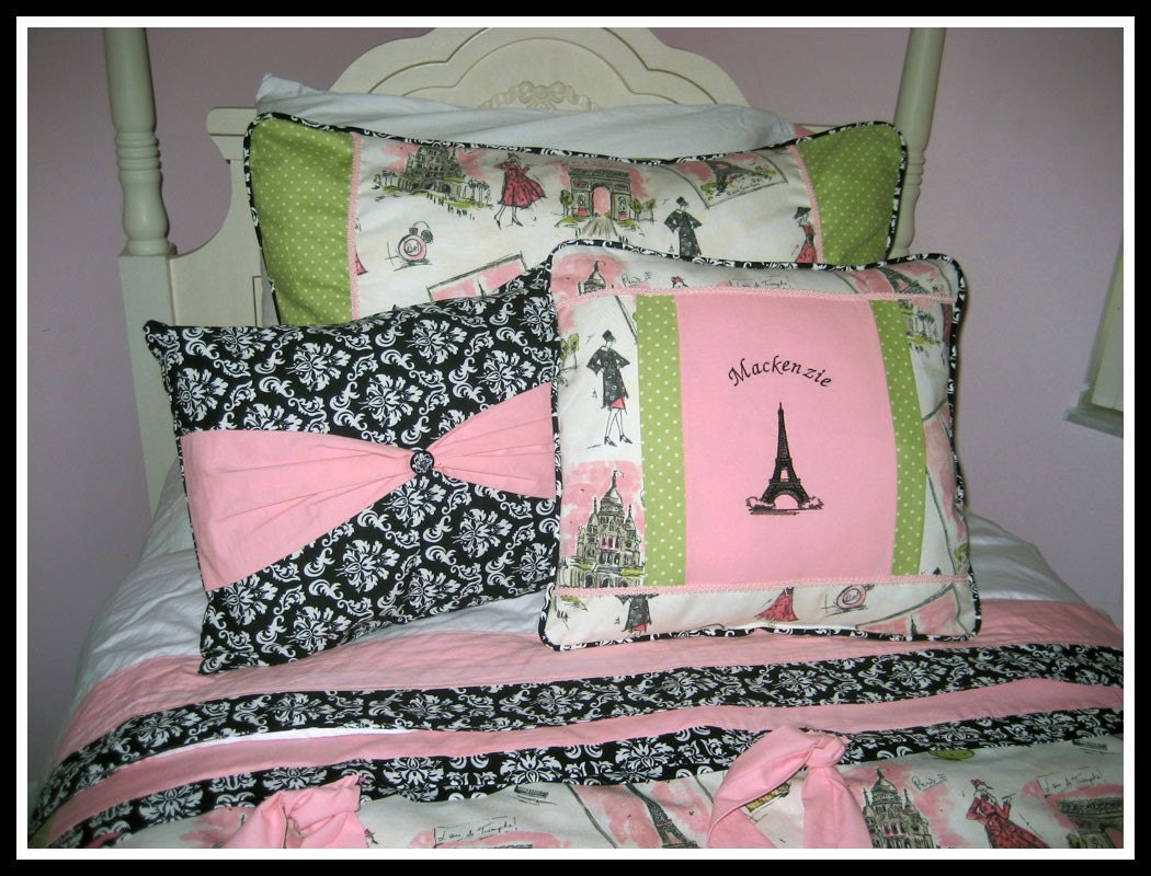 custom twin size girls bedding paris tres chic eiffel tower. Black Bedroom Furniture Sets. Home Design Ideas