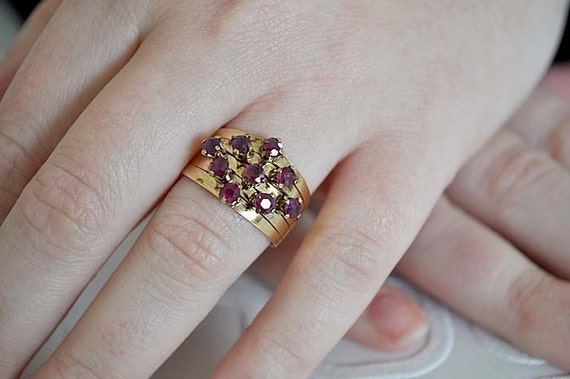 Vintage 18K Gold and Rubies Ring